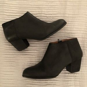 Lucky Brand Black Ankle Leather Booties - 9.5
